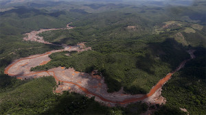 Brasil Dam explosion damage 2015 November