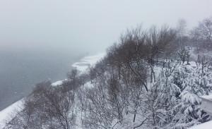 Амурский утёс. Снег идёт, реки не видно ed