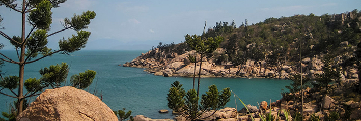 australia-magnetic-island-by-jpeggreg-re.jpg