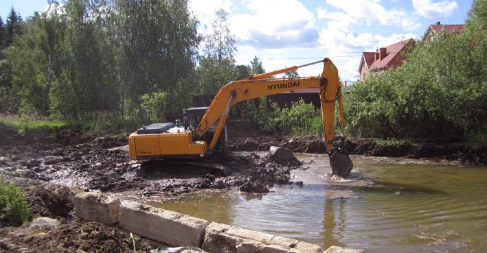 fire-pond-1-excavator.jpg